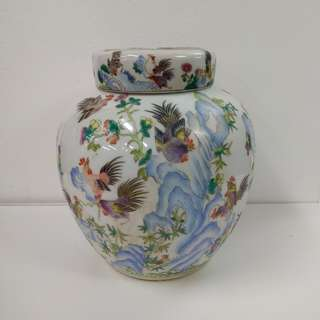 "Special Artistic Porcelain Ornamental Jar with imitation ""Yong Zheng 雍正"" period colored roosters pattern"