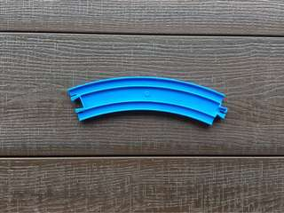 Tomy blue curve track
