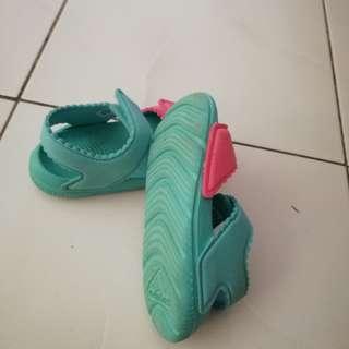 Sandal Adidas utk Kanak2