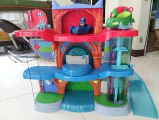 PJ Masks Headquarters plus Gekko and Gekko Mobile