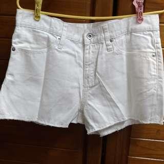 🚚 基本白色牛仔短褲