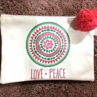 Pencil box: Love Peace