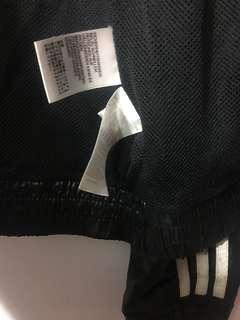 Adidas薄防風外套
