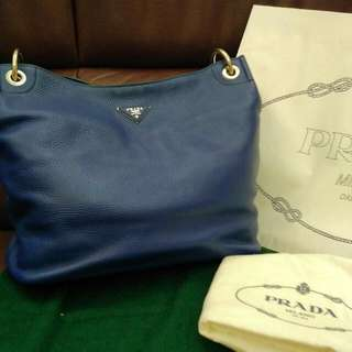 全新三分一價錢😍 Prada Calf Leather Handbag