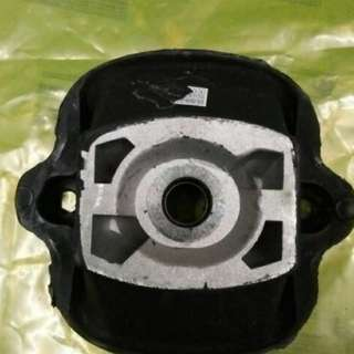 Engine mounting Mercedes Benz tiger 280E