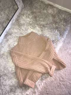 M nude crop sweater size small