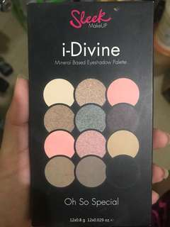 Sleek Eyeshadow Palette- Divine