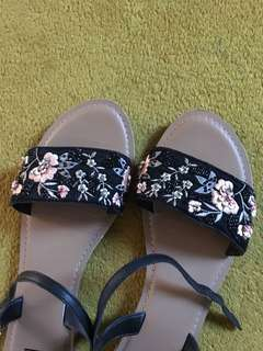 Black embroidery sandals size 40