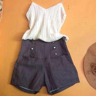 High waist maroon short