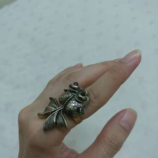 Vintage gold fish ring