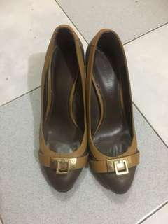 Charles keith pre loved shoes
