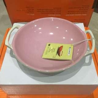 Le Creuset wok dish