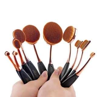 Professional Makeup Oval Brush Set