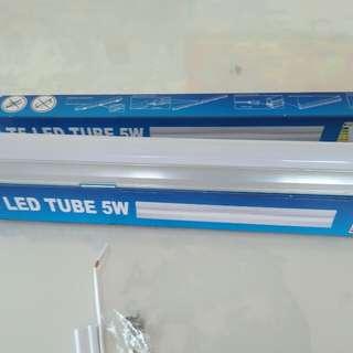 T 5 LED light