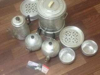 Old aluminium set