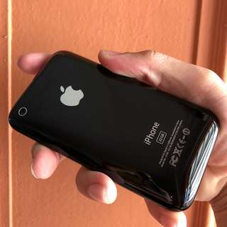 iPhone 3GS - 32GB Black Edition - Excellent Condition