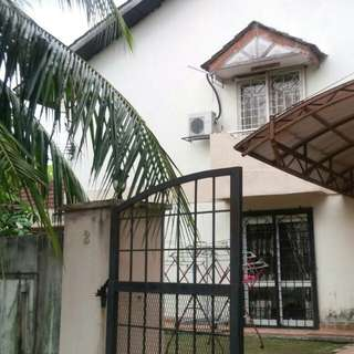 House Corner lot for sale LEASEHOLD BUMI LOT