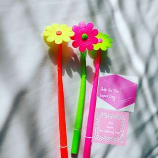 《READY STOCK》 Pink, Yellow, Green Flower Black Ink Gel Pen