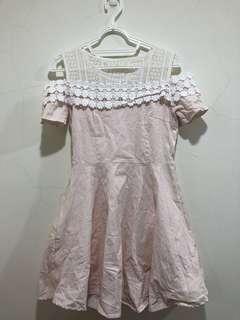 🚚 可愛風蕾絲洋裝👗