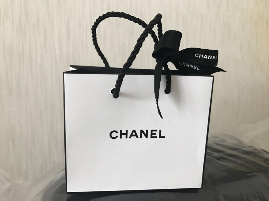 fcae80a82066 Authentic Chanel Paper Bag small, Luxury, Bags & Wallets on Carousell