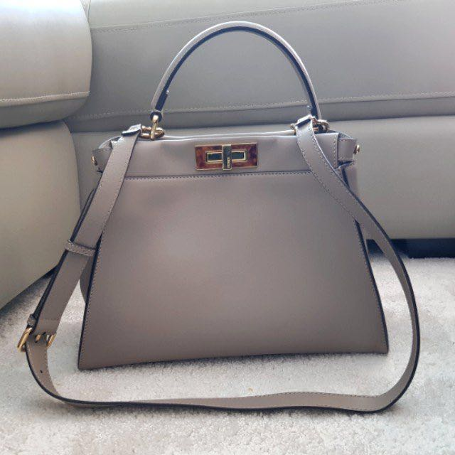 c5bd905e8c  Authentic  Fendi Peekaboo Medium (Dove grey)