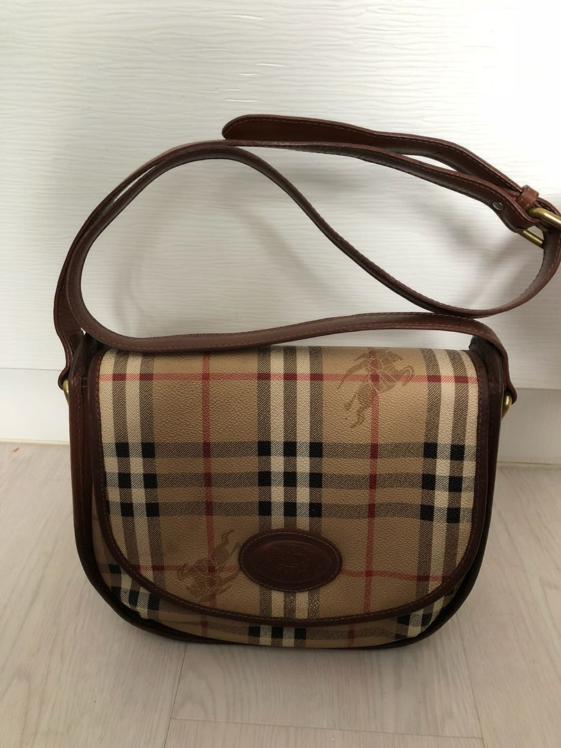 ab0395b66a9 Burberry Vintage Sling Bag, Luxury, Bags & Wallets on Carousell