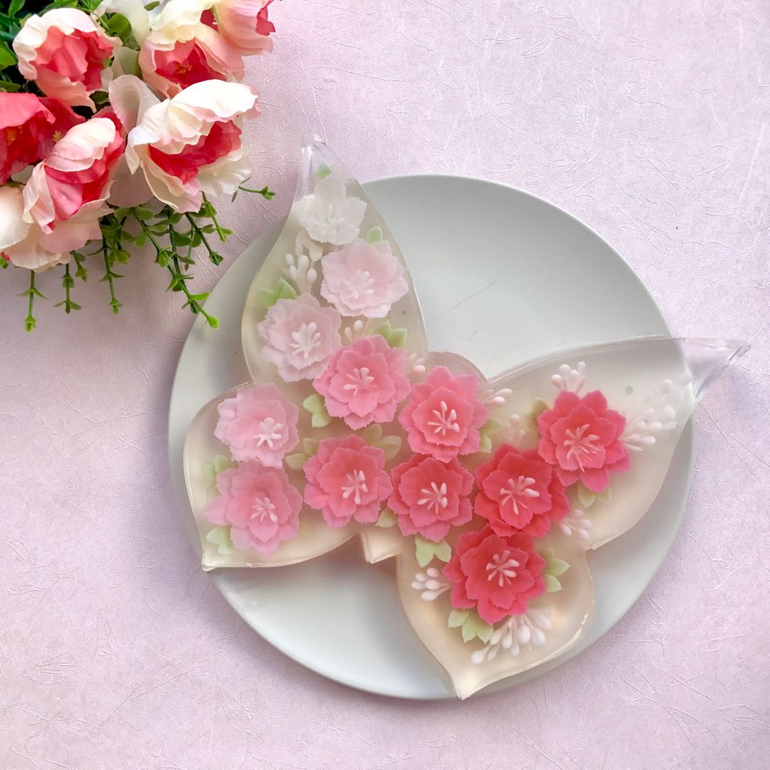 Butterfly shaped 3d flower jelly cake, Food & Drinks, Baked Goods on Carousell