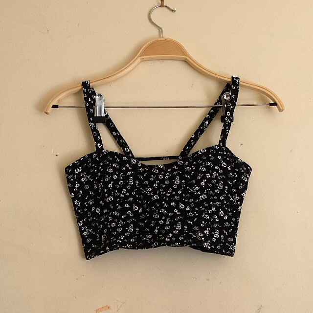 Crop top with cute back detail