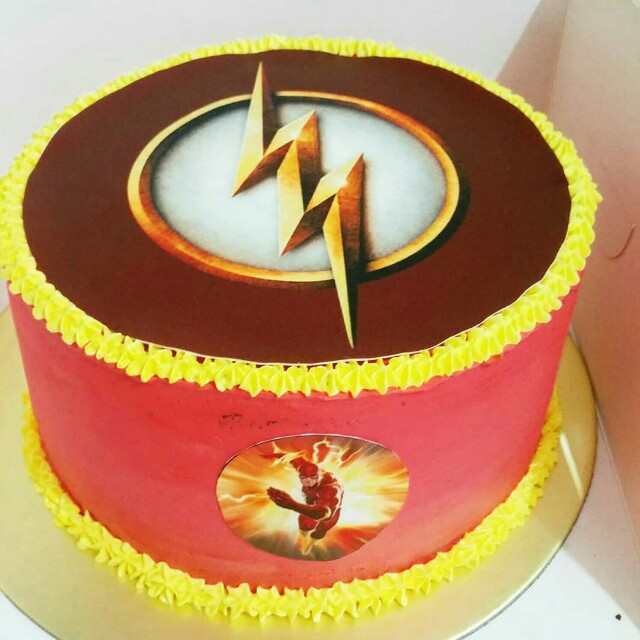 FLASH THEME BDAY CAKE 1KG, Food & Drinks, Baked Goods on Carousell