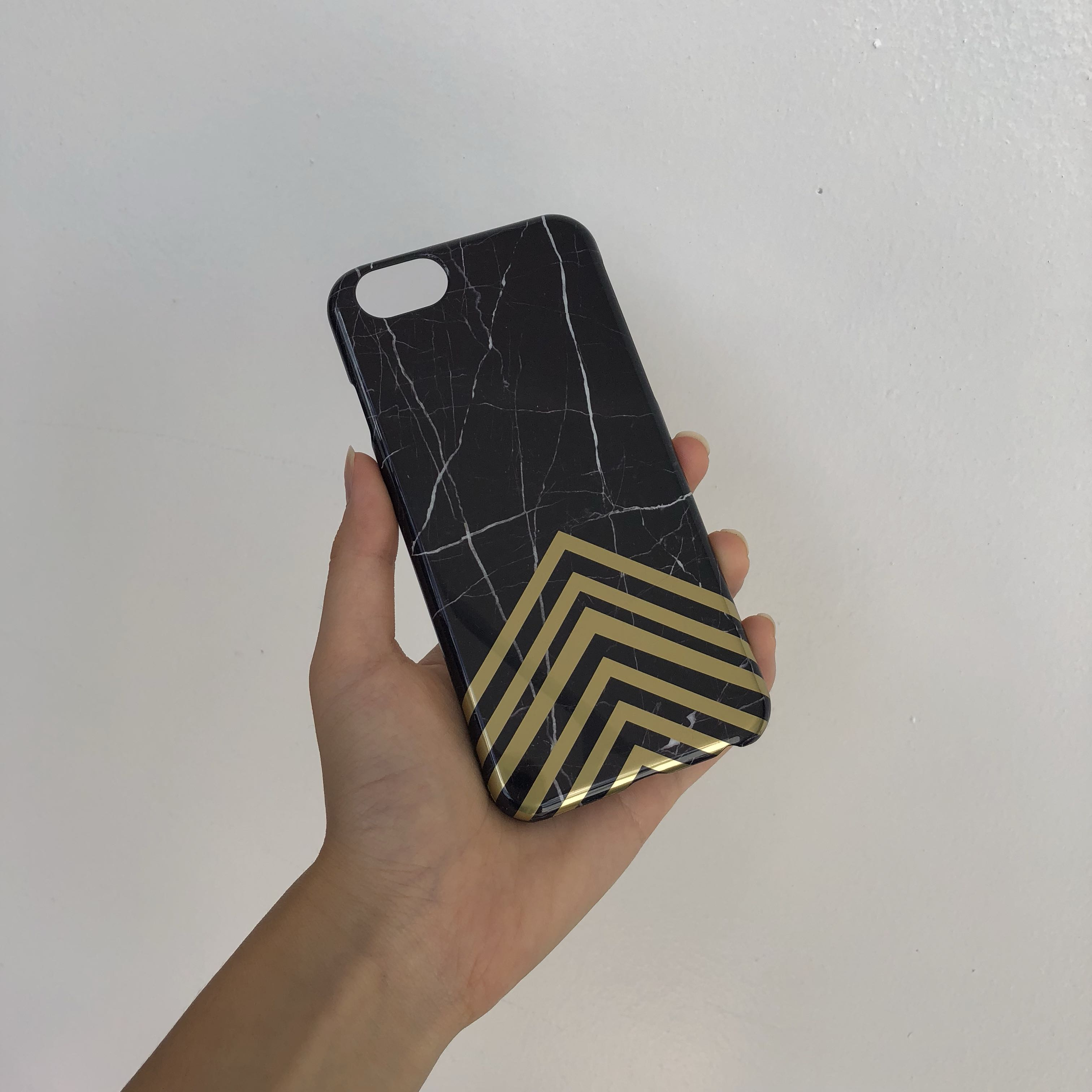 iPhone 6 black marble case