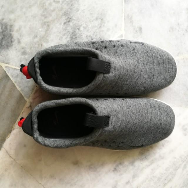 Nike Air Moc Tech Fleece Grey