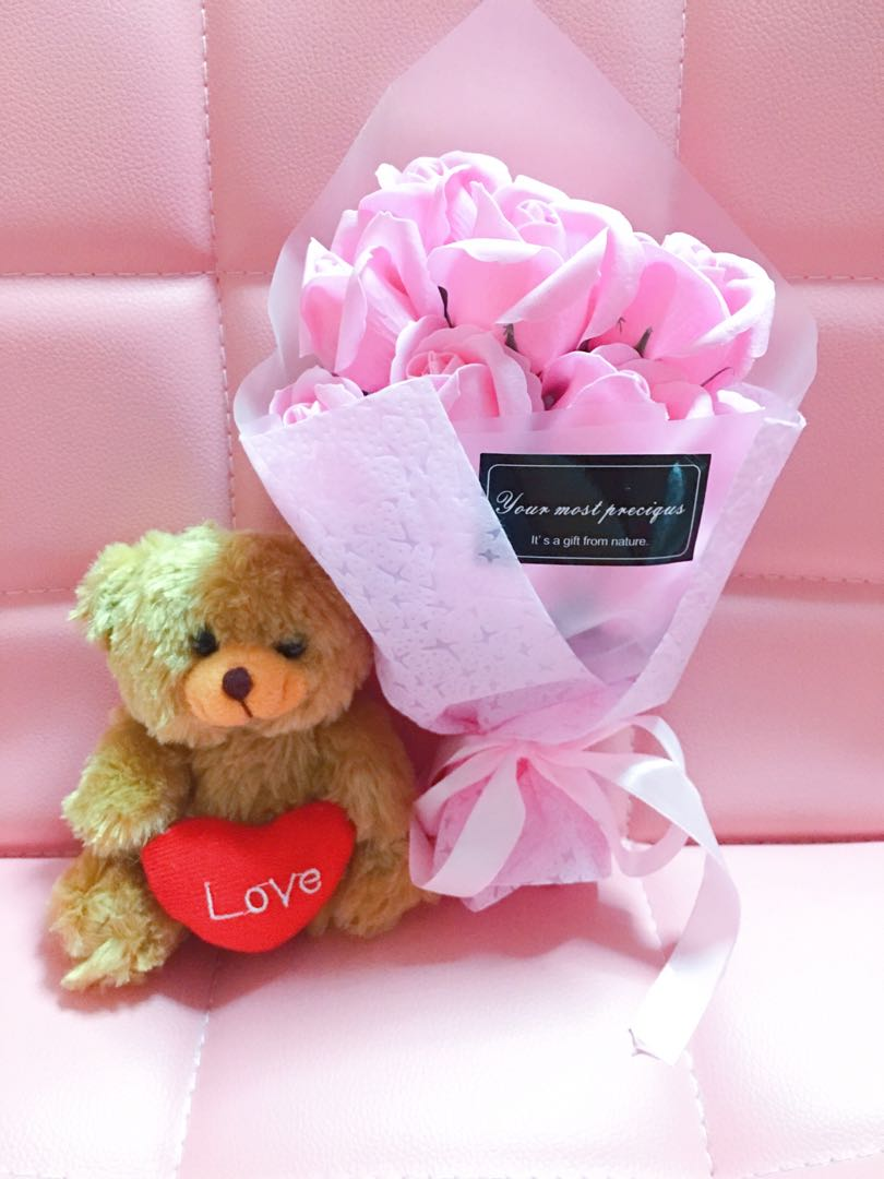 PINK Soap Roses Birthday Party Gift Instock