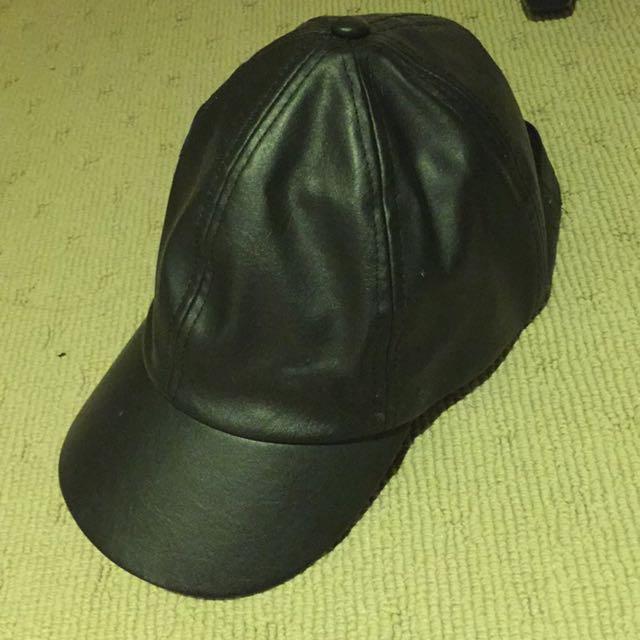 Sportsgirl leather cap