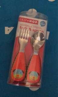Skip hop sendok garpu