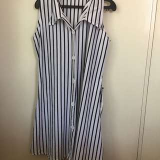 Stripes dress with collar