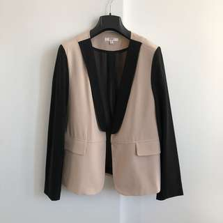 Contrast colour blazer