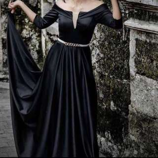Black gown for rent only ‼️