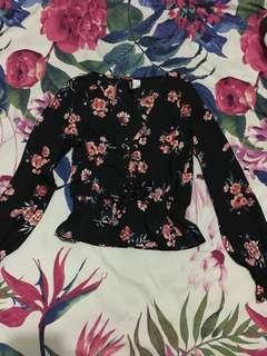 💯Authentic H&M Black Floral Longsleeves