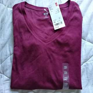 Uniqlo cotton long sleeve vneck