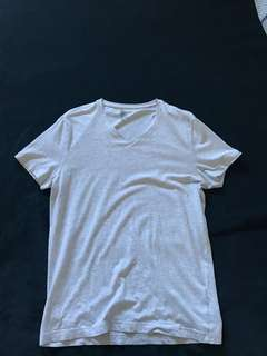 H&M grey V-neck t-shirt