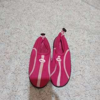 beach shoes