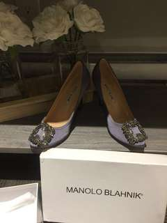 Manolo blahnik-size 8 but fits a 7 perfect