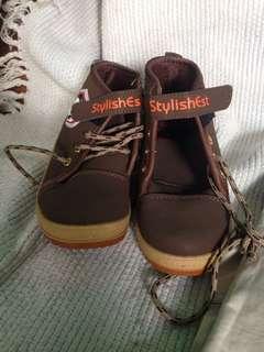 Semi-boots