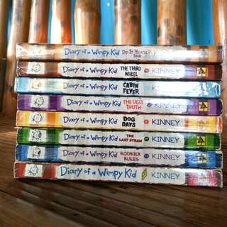 Diary of a Wimpy Kid Series [Book Bundle]