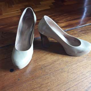 Staccato Nude Heels Patent Leather