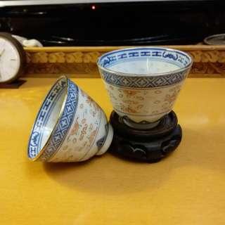 景德鎮青花加彩(米通花)茶杯一對