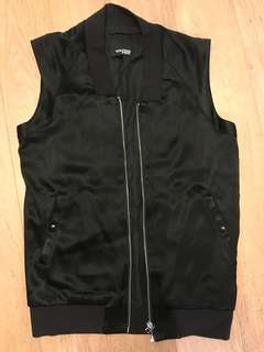 Aritzia Wilfred Free Vest - Boyfriend fit, XS, Black