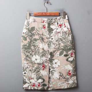 BN Floral pencil skirt with front slit