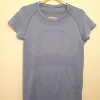 Lululemon Swiftly short sleeve, size 8
