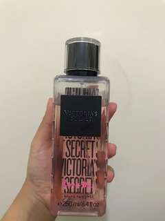 VICTORIA SECRET LOVE ME FRAGRANCE MIST BRUME PARFUMEE 250ml